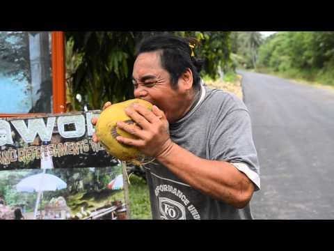 Näin avataan kookospähkinä hampailla – Sairaan nopee!