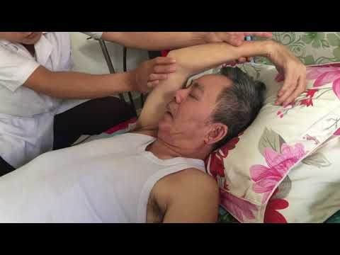 Vật lý trị liệu tại nhà cho bệnh nhân Nguyễn Khắc Cầu bị tai biến
