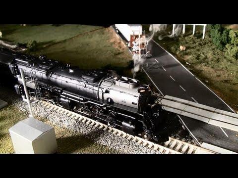 Athearn HO Scale Challenger #3985 w/ Tsunami Sound Review