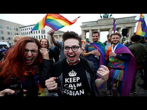 Γερμανία: «Ναι» από τη Βουλή, «όχι» από τη Μέρκελ στον γάμο ομοφυλοφίλων