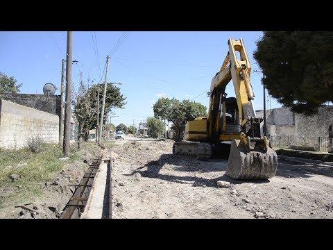 Avanza la obra de cordón cuneta que beneficiará a los vecinos del Barrio Sur