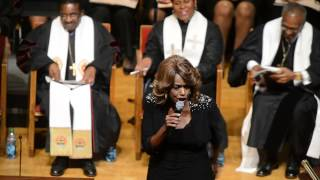 Download Video Jennifer Holliday sings at Evelyn Lowery's funeral MP3 3GP MP4
