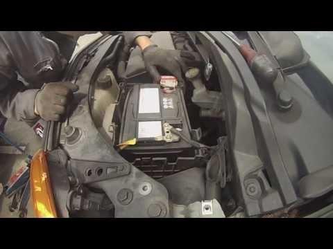 comment demonter batterie clio 2