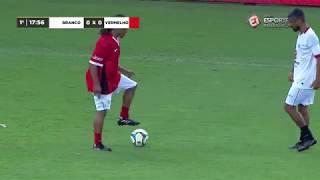 Jogo das Estrelas: Léo Moura tentou brincar com o Davids e... Olha aí o que aconteceu