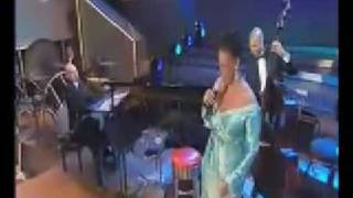 Download Lagu a foggy day - dianne reeves and berlin philarmoniker - 2003 Mp3