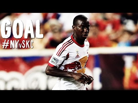 goal - Goal! New York Red Bulls 2, Sporting Kansas City 1. Bradley Wright-Phillips (New York Red Bulls) header from the center of the box. Subscribe to our channel for more soccer content: http://www.yo...