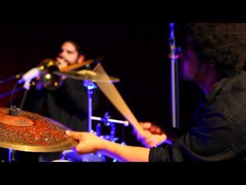 LILA BUNGALOW plays