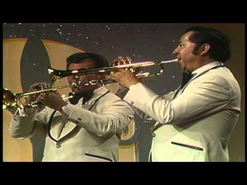 Pequeño Niño - La Sonora Santanera (Video)