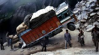 Video The 20 Most Dangerous and Scariest Roads in the World! MP3, 3GP, MP4, WEBM, AVI, FLV Oktober 2018