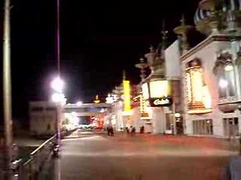Atlantic City Boardwalk at Night видео