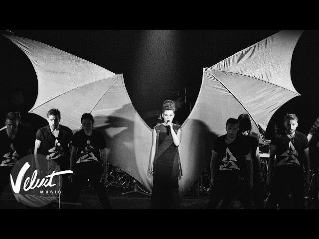 Йолка нарешті заспівала українською