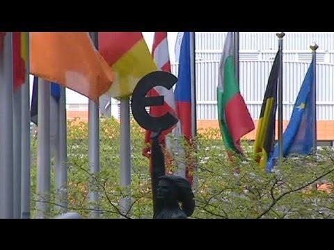 وزراء منطقة اليورو يطلقون صندوق الإنقاذ الدائم برأسمال 500 مليار يورو - فيديو