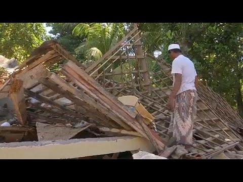 Ινδονησία: Δραματικές ώρες μετά τον σεισμό