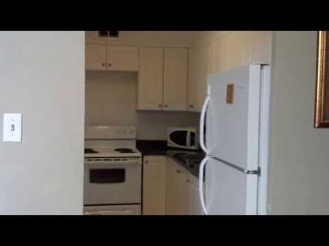 Video avToronto Furnished Living, Deluxe Apartment
