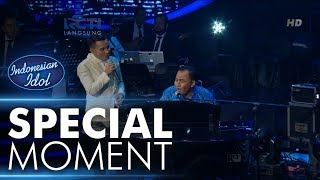 Download Video Judika menyanyi dengan iringan piano dari Pak Heru! - RESULT & REUNION - Indonesian Idol 2018 MP3 3GP MP4