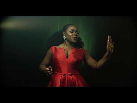 "Video Omawunmi - ""Butterflies"""