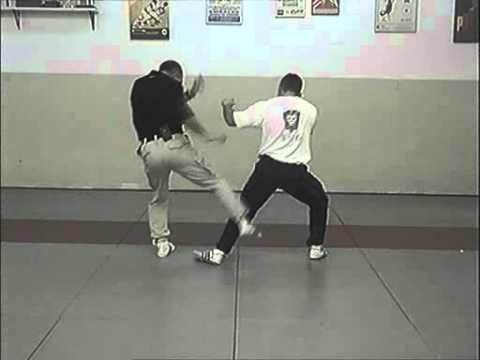 Self defense – Techniques de close combat