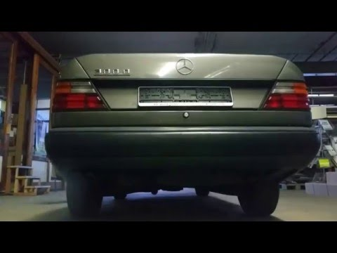 Mercedes Benz - W124 300D Exhaust Sound Stock 1986