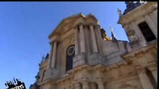 Saïan Supa Crew Sauvages Devant La Cathédrale Saint Louis De Versailles 2005