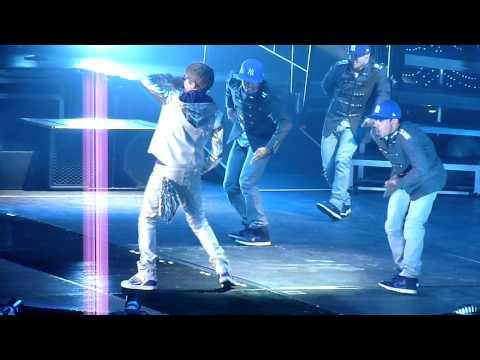 HD – Justin Bieber opening Love Me // 27-03-2011 // Ahoy Rotterdam
