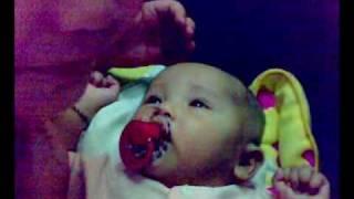 Bayi usia 4 bulan bercakap..(Pelik tapi benar).