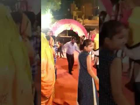 Video Nitish kumar jike beti ki shadi ka dhama dance dekhna na bhule download in MP3, 3GP, MP4, WEBM, AVI, FLV January 2017