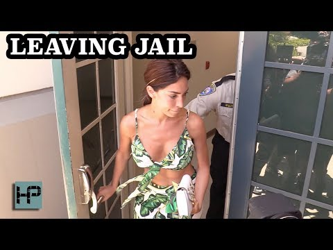 Farrah Abraham Released from Jail,  Returns to Beverly Hills Hotel After Being Arrested