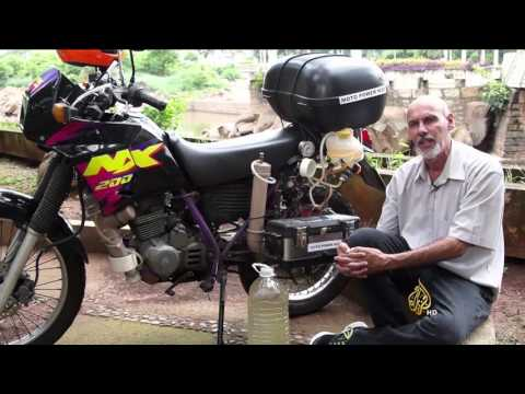 مخترع برازيلي يبتكر محرك دراجة نارية يعمل بالماء