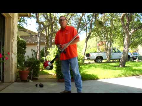 Lawn & Gardening Tips : How to Use a Gas Weed Eater