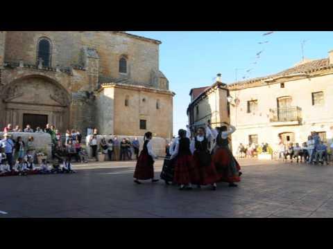 Grupo de Danzas de Torresandino en Quintana del Pidio (Burgos) 7