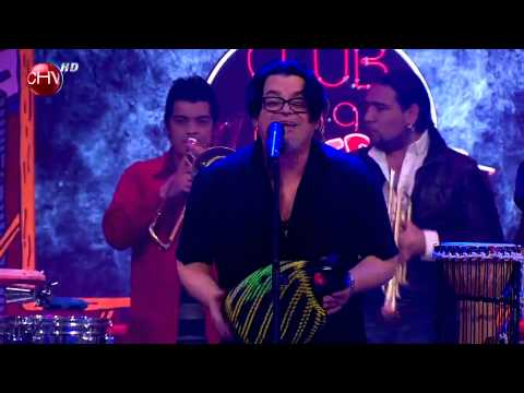 Joe Vasconcellos cantó Ser Feliz e hizo bailar a todos en El Club de la Comedia 2014