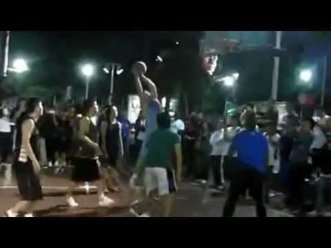 Chris Paul embarrasses Street Shanghai fan in his NBA tour in China against LA Clippers [NBA 2012]
