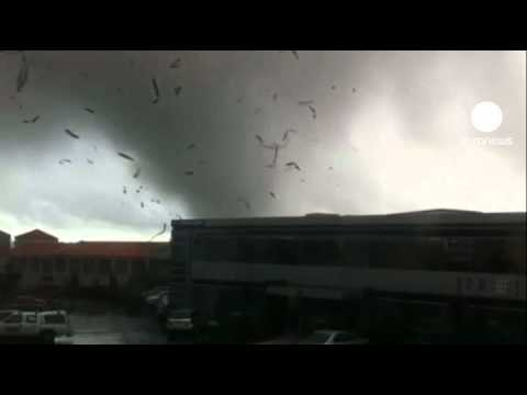 YouTube Video - Tornado in Nuova Zelanda (fonte: euronews)