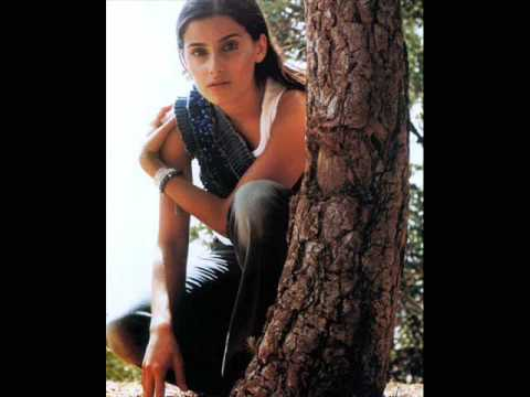 Nelly Furtado - Fortress bell lyrics