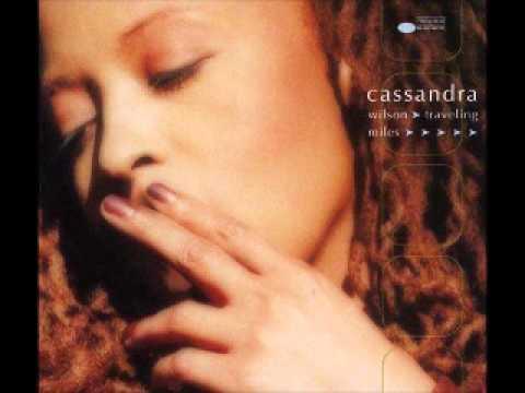 Tekst piosenki Cassandra Wilson - Blue Skies po polsku