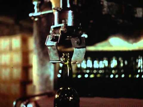 glas - Short docu with matching music and no talking about Dutch glass production in the 50's. From Bert Haanstra. = = = = About the short: http://en.wikipedia.org/...