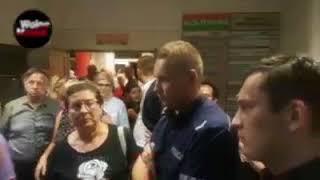 Po spotkaniu pana Jakiego z wyborcami, Policja otrzymała nakaz spisania jego przeciwników politycznych