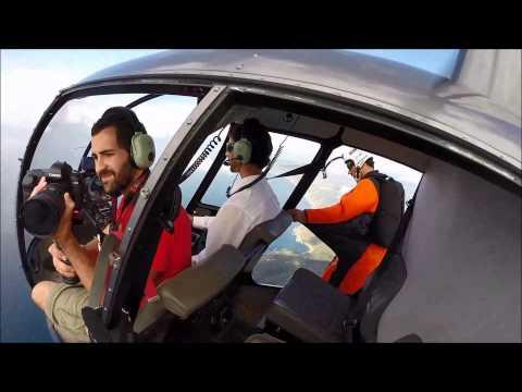 Euskal Herriko base jauzilari lagunak eta AK Helicopters-ek antolatuta, erakustaldia Aste Nagusian.