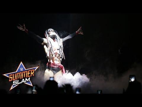 The Demon Finn Bálor puts a twisted take on Bray Wyatts entrance: SummerSlam 2017 (WWE Network)_Sport videók