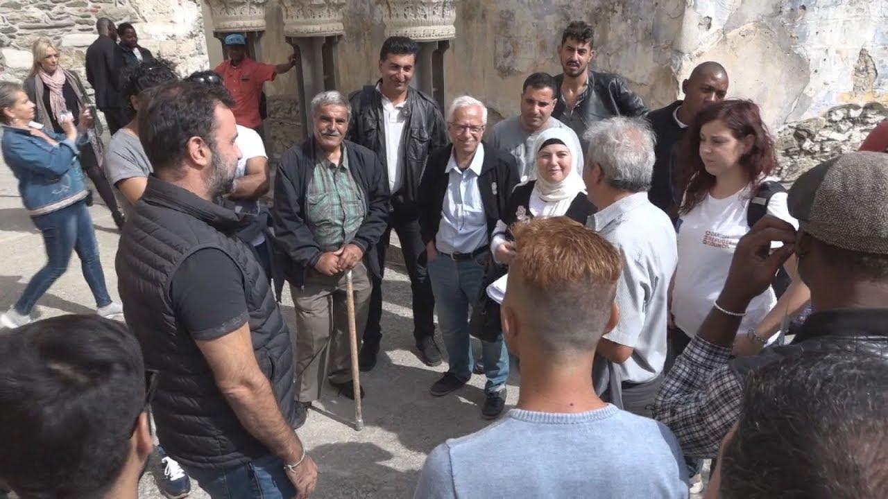 Πρόσφυγες γνωρίζουν τα μνημεία της Θεσσαλονίκης