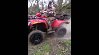 8. 2007 arctic cat 700 efi obstacle crossing off roading 4x4 fourwheller