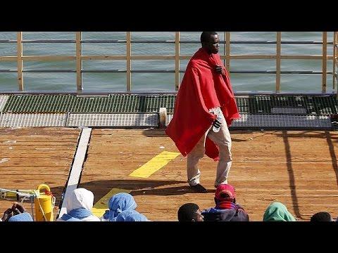 Ιταλία: Μετανάστες έστησαν «χωριό» μέσα σε σιδηροδρομικό σταθμό