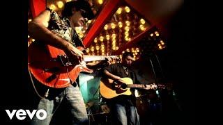 Santana & Everlast - Put Your Lights On