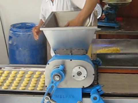Galletera Imelpan o Maquin de Colombia ( Galletas achiras ).wmv