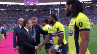 Sunday evening, before the kickoff of the final of the Top 14 between Clermont and Toulon at the Stade de France, the Fijian players of the two clubs, Josua ...