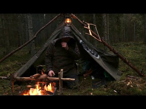 Caught in a Storm - 4 days solo bushcraft, camping in heavy rain, portable wood stove, canvas tent