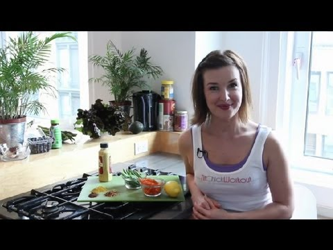Detox Diets to Debloat Before a Party : Fitness & Nutrition Tips