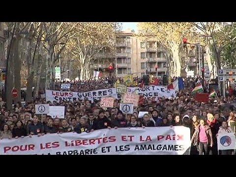 Διαδηλώσεις κατά της τρομοκρατίας σε Γαλλία και Ιταλία