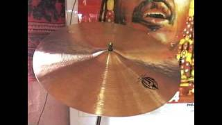 This is a Diril Cymbals Medium-Thin Crash. It's a 16 Inch, and it weighs 1140 grams.These videos are intended only as a guide. I am uploading them because there are very few samples of Diril Cymbals available. Please do not judge the actual sound of the cymbals based on these videos, they are so much better than my humble recording equipment could ever illustrate.