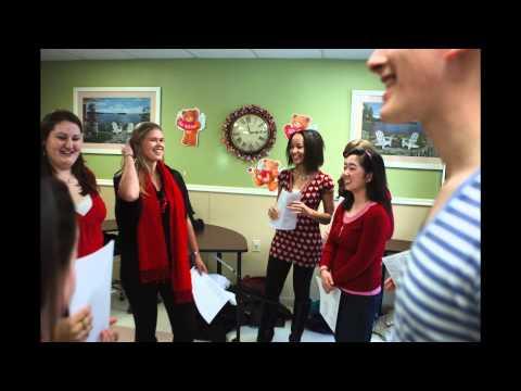 Studenten pfeifen Happy Tune für einen guten Zweck